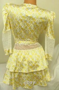 FOR LOVE & LEMONS Daffodil Floral Robe Exclusively for Victoria's Secret Small